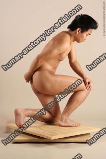 hongo le kneeling 019