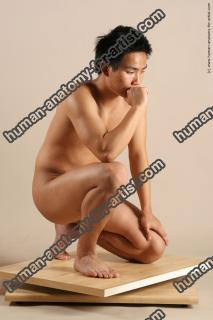 hongo le kneeling 033