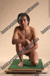 Photo Reference of edwin kneeling pose 31