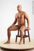 ervin sitting 02