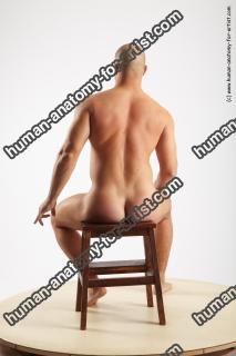 ervin sitting 05