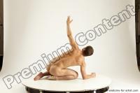Photo Reference of willbert kneeling pose 02